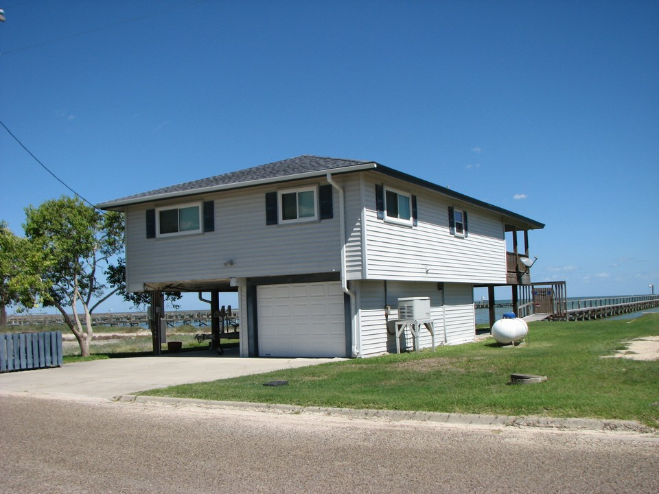 448 North Shore Drive Port Mansfield, Tx. | Port Mansfield Texas Real