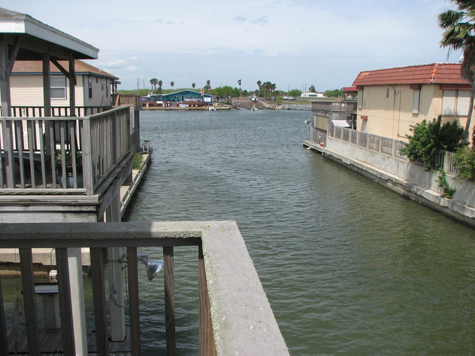 there is a canal from serenity harbor to the main harbor