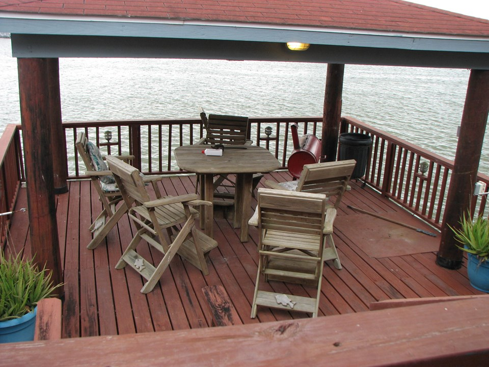just imagine--sitting on this covered deck and watching the activity in the harbor