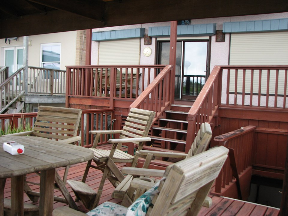 front of home leading to the covered deck
